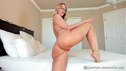 Milf With Big Ass In Yoga Pants